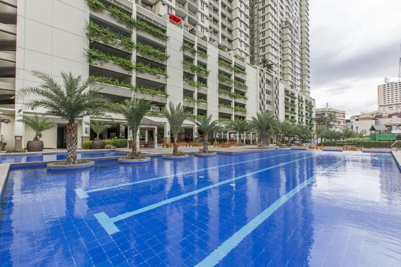 Impressive, Luxurious Condo Near All Conveniences, holiday rental in Manila