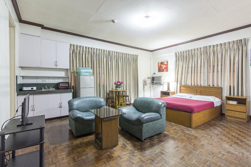 Broadway Court Apartelle in Manila Philippines, holiday rental in Manila
