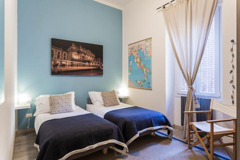 2bedrooms+2bathrooms/AC/UnlimetedWIFI/NearMetro, casa vacanza a Carpenzago