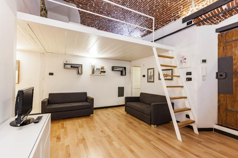 Loft In San Lorenzo 1, acquario, opt parking, Ferienwohnung in Genua