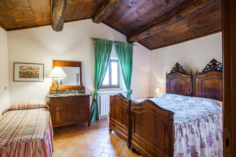Titmouse apartment, holiday rental in Dicomano