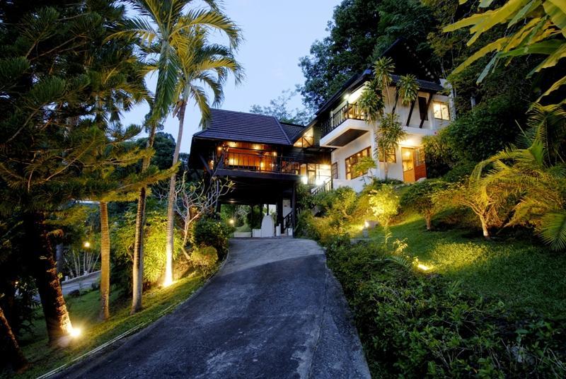 Patong Hill Estate 4 bedroom villa, holiday rental in Patong