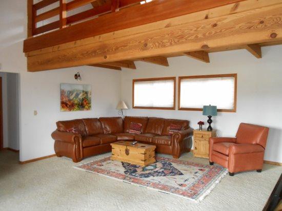 750E Living Room