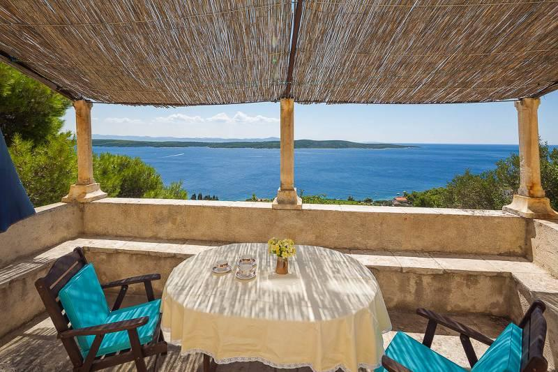 Rustic villa in Zavala - a small village on the south side of the island of Hvar