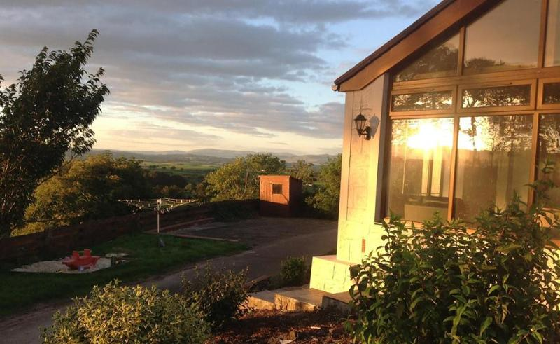 Luxury farm dairy cottage convertion, holiday rental in Torthorwald