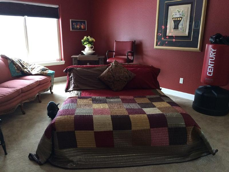 Open Space for Queen bed, lower level