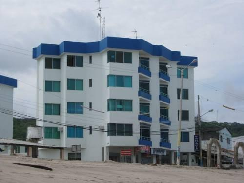 ENJOY  SAFE RELAX AND COSY BEACH APARTAMENT ( CRUCITA -ECUADOR ), holiday rental in Crucita