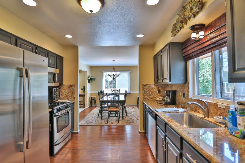Brand new kitchen in 2015! Stainless Steal and granite. Very well stocked.