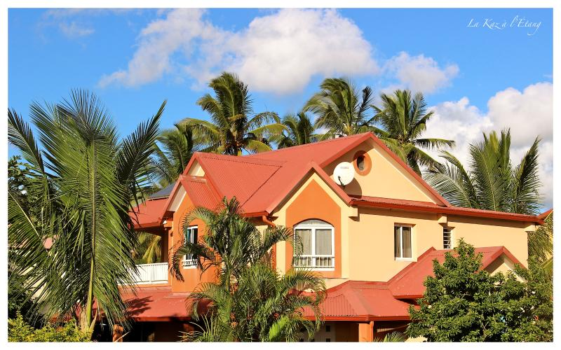 Welcome to our house ! The Kaz to the pond, your rental furnished vacation on the island of Reunion