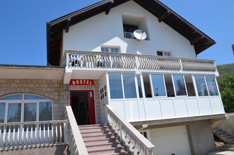 B&B The Red Door Trebinje, holiday rental in Trebinje