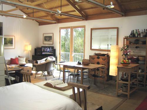 8 recensioni e 34 foto per architectural art loft guesthouse bike