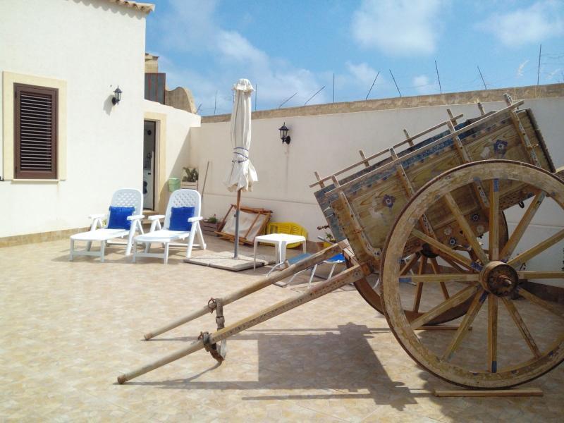 Villa 10 posti a 300 m dal mare, Trapani, vacation rental in Erice