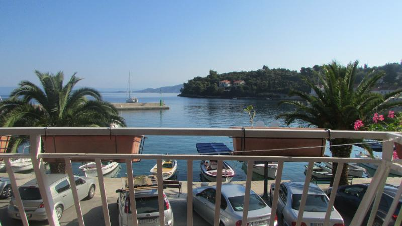 Studio A2 Martina ABR, holiday rental in Racisce