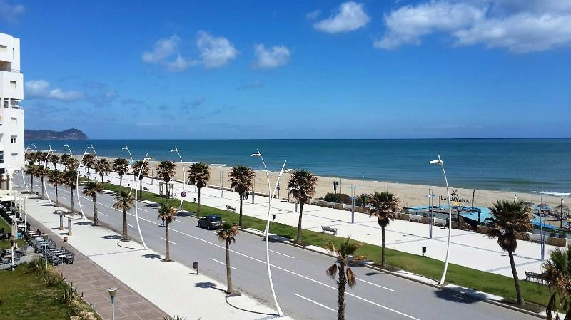 3 BedroomApartment Stunning Sea views on coast, holiday rental in Tanger-Tetouan-Al Hoceïma