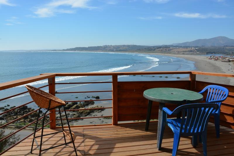 Surf Shack, Overlooking the Ocean and Playa., vacation rental in Maitencillo