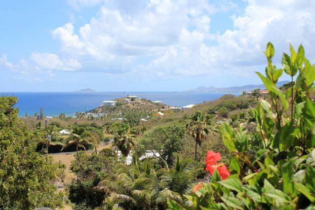 """Spectacular """"Seabreeze"""" view, location de vacances à Kingshill"""