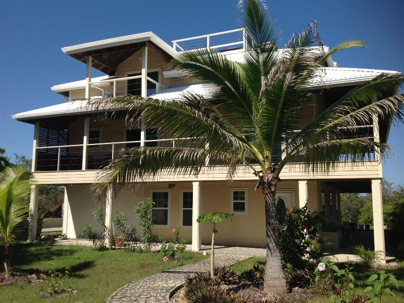 The bottom floor of this prestigious home can be your home -a-way-from-home for your Utila Vacation!