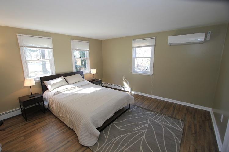 First Floor Bedroom w/ Queen Bed