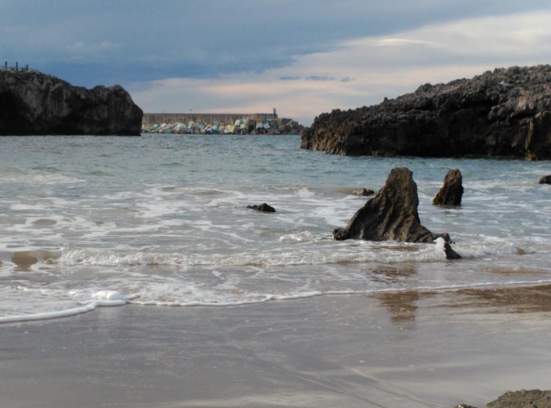Playa de Toro ..... in de buurt van Llanes .... je kunt vanaf het appartement lopen
