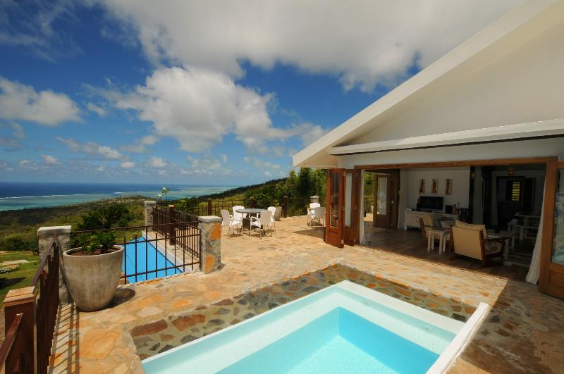 'MON REPOS' in Rodrigues w. pool, 5 min to Gravier, casa vacanza a Isola di Rodrigues