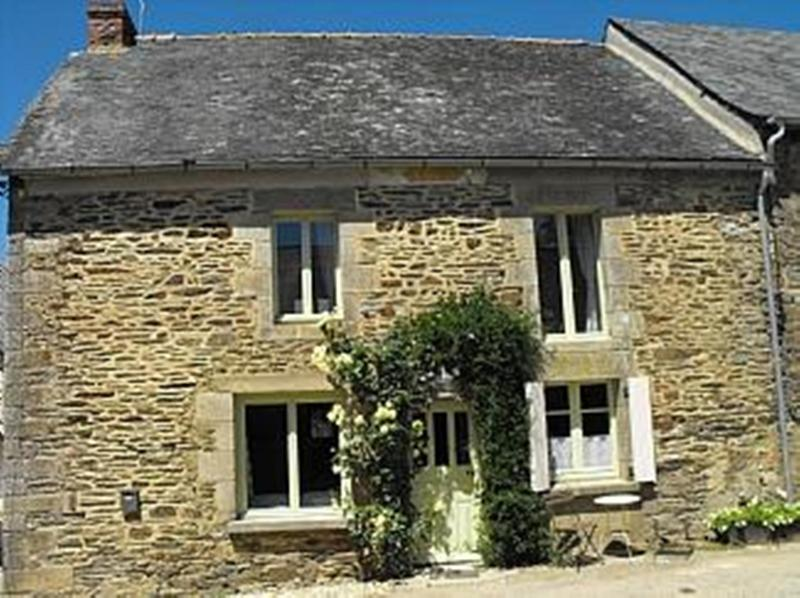 TEAG BEAG - HOLIDAY COTTAGE, location de vacances à Lanouée