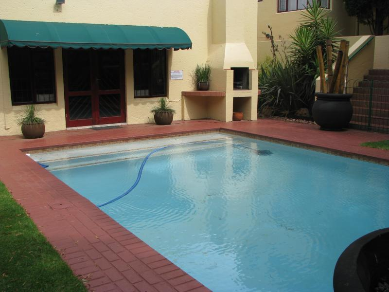 Clubhouse & swimming pool