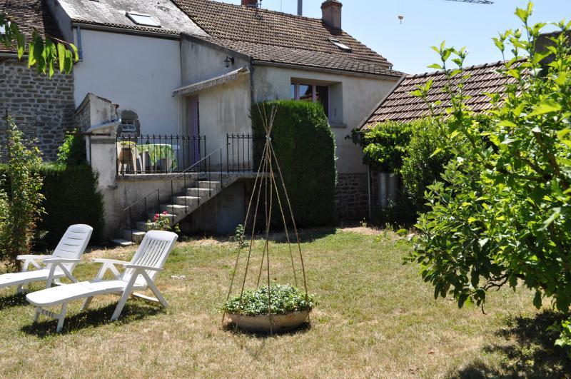 Gîte à la ferme - La Grand' Borne, holiday rental in Semur-en-Auxois