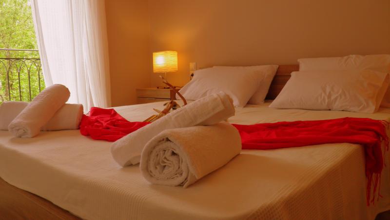 Esperia luxury apartment with view, aluguéis de temporada em Lefkada Town