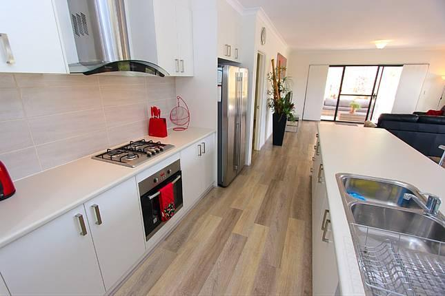 Modern, well equipped home, short stroll from the beach and overlooking a reserve with kangaroos