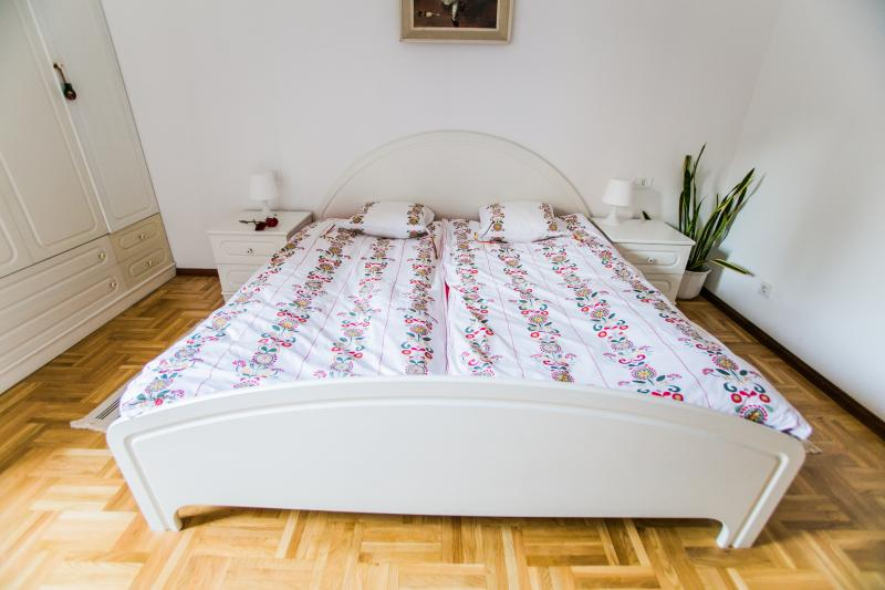 1. Bedroom, king-size bed