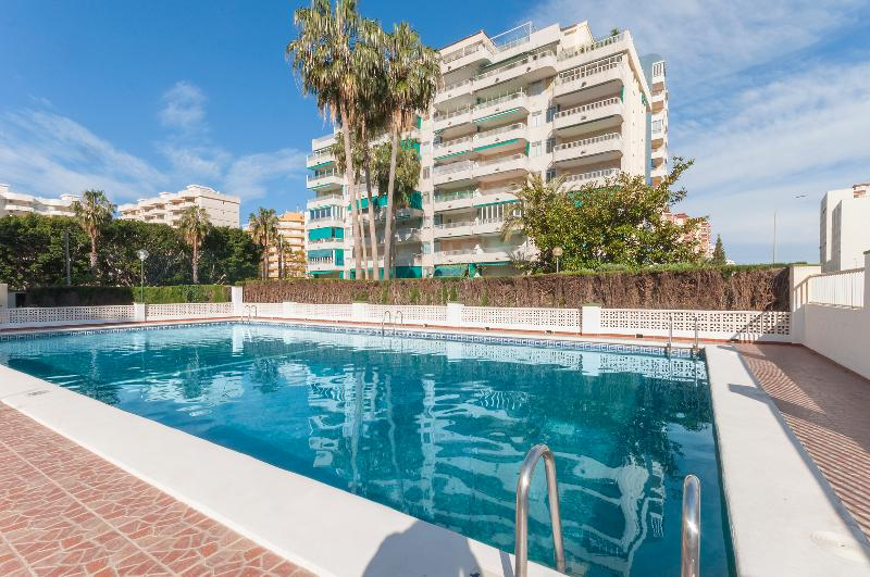 ROSMERI - Apartment for 6 people in Playa de Gandia, holiday rental in Grau de Gandia