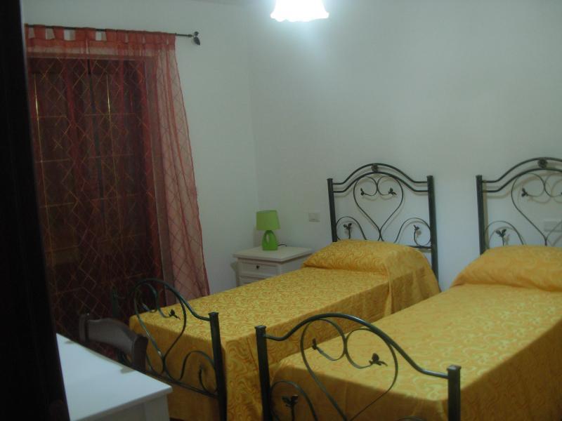 B&B sole e luna Capo Vaticano - Camera 1, vacation rental in San Nicolo