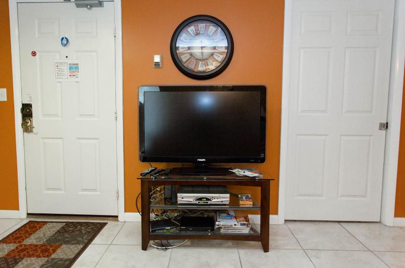 Flat Screen HDTV
