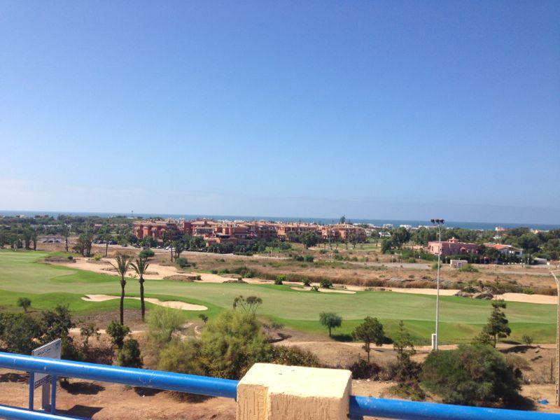 APARTMENTS WITH GOLF AND OCEAN VIEW BALCONY, 1,2,3, vacation rental in Bouznika