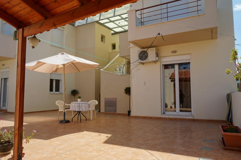 Maria Apts - Urania Apartment, holiday rental in Pachia Ammos
