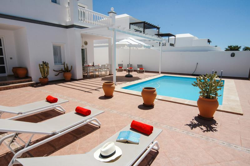 Villa Angelica in central Costa Teguise, holiday rental in Lanzarote