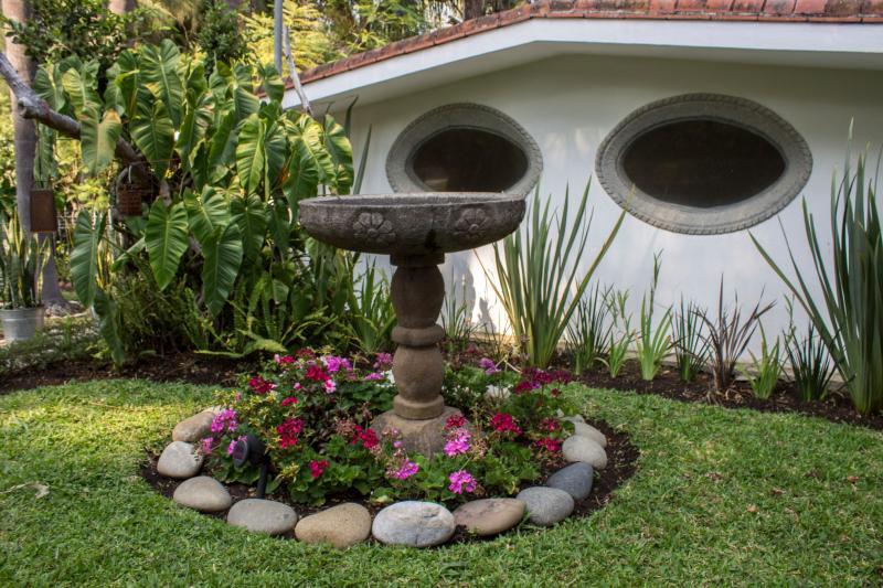 Fuente en frente de la Villa Escondida
