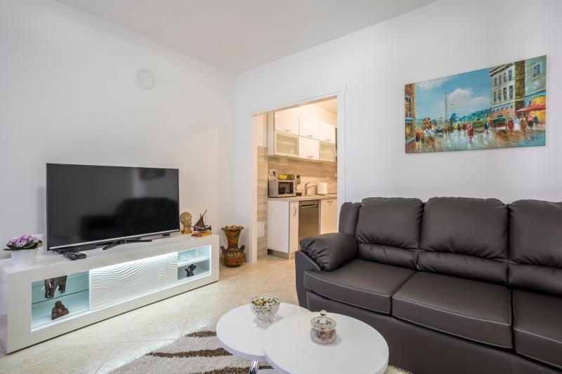 Luxury Villa Ines, holiday rental in Vis