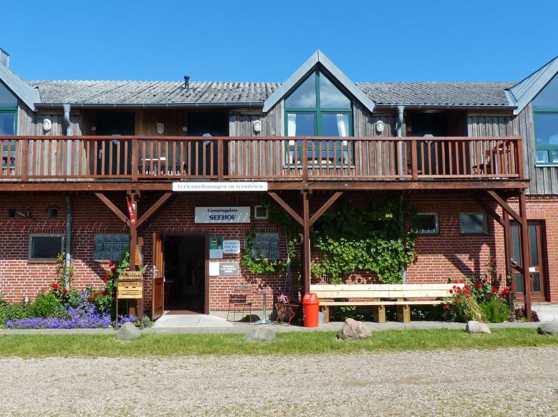 Ostseeblick - Ferienwohnungen auf dem Seehof, holiday rental in Gelting