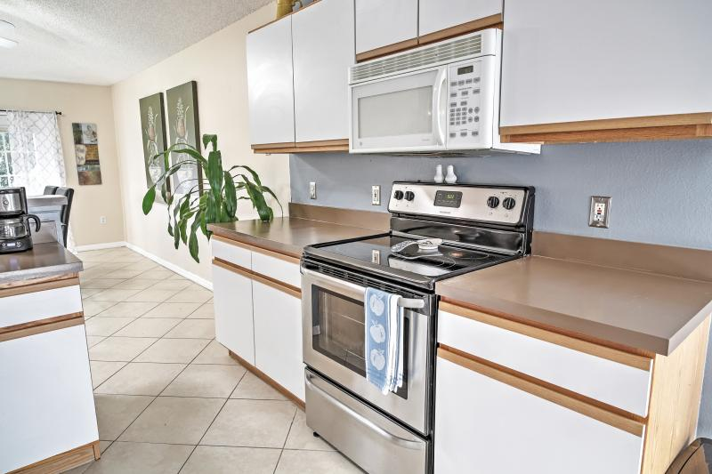 Bring your favorite recipes to life in this fully equipped kitchen!