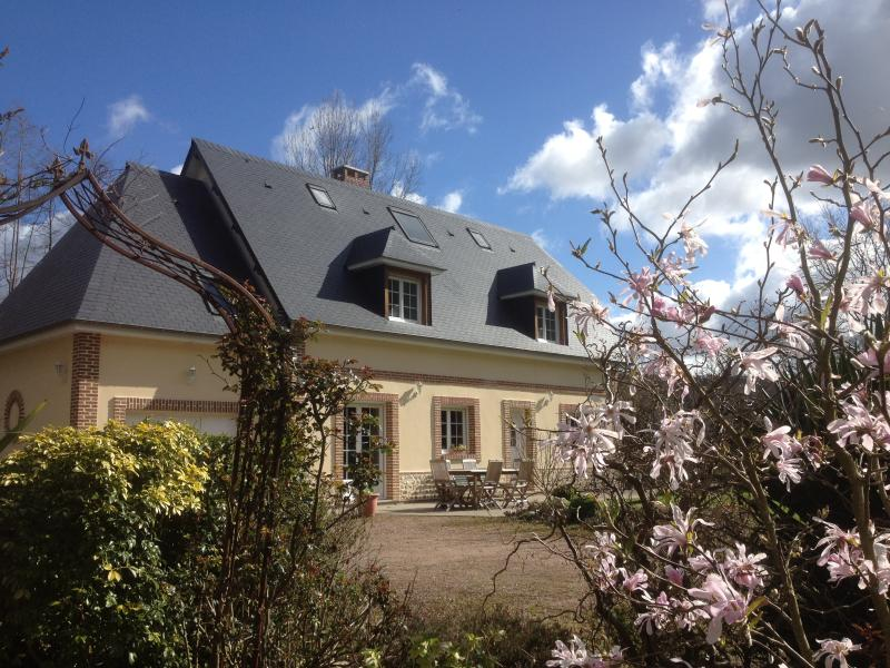 Charmante maison indépendante, littoral Normandie, holiday rental in Yebleron