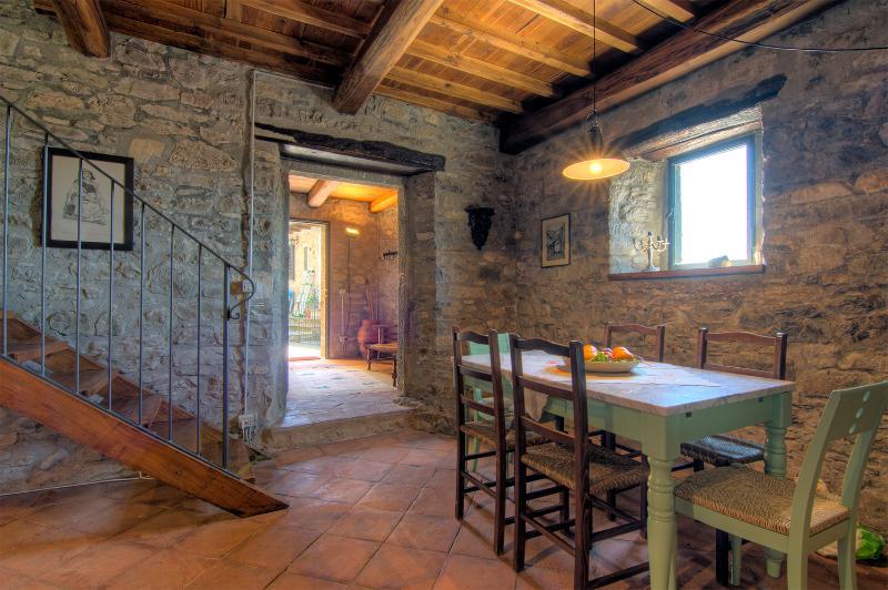 Kitchen/entrance. Photo by Jacob Groen.