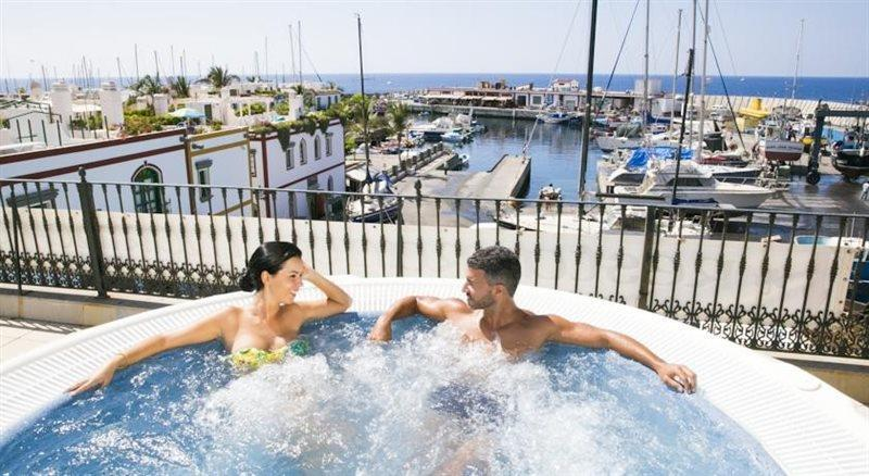 Free jacuzzi for our guests