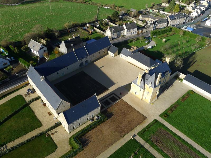 Charmante maison aux portes de Bayeux, aluguéis de temporada em Nonant