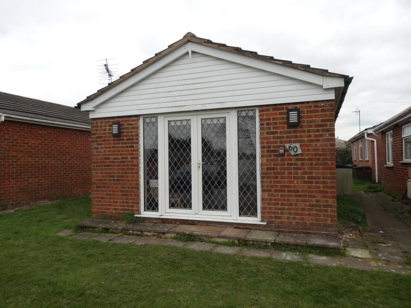 Holiday Bungalow to Rent, vacation rental in Minster on Sea
