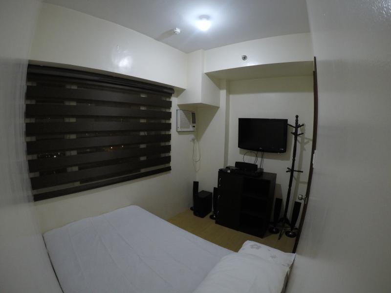 1 BR Condo at Ridgewood Towers Near the Fort, BGC, vacation rental in Taguig City