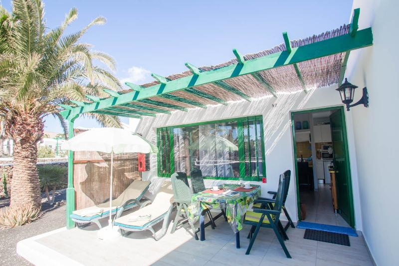 Big fully wattled and fully furnished terrace