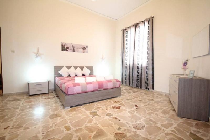 LE TRE ROSE DI MARY, holiday rental in Avola