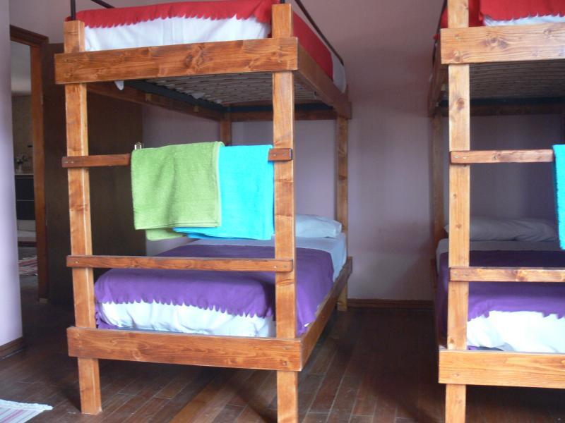 Habitaciones/camas/rooms/beds Famara, holiday rental in Soo