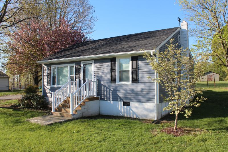 Home Sweet Home (clean & convenient), holiday rental in Lynchburg